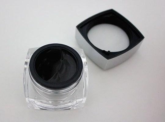 Новый тренд в борьбе против старения кожи: работает ли магнитная маска для лица?